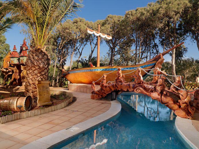 Minoan Amusement Club pool