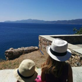 Monemvasia with kids ©familyexperiencesblog.com